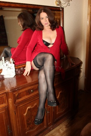 Le puy en Velay, France escort