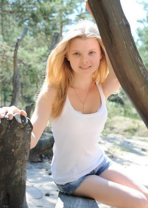 Clichy, France escort