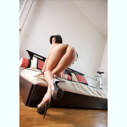 I will stop the world and bring you now into heaven escort Mia Lenning Alkmaar